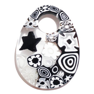 Murano glass oval pendant – white