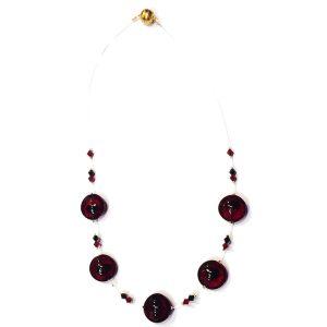 Collana realizzata con filo di nylon perle 'a lume' e Swarovski originali.