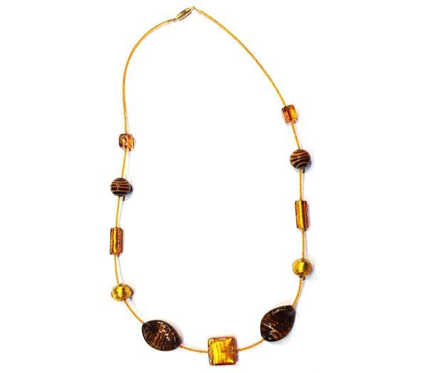 Collana realizzata con conterie vecchie di Murano, perle in oro sommerso miste e perline metà secolo scorso.